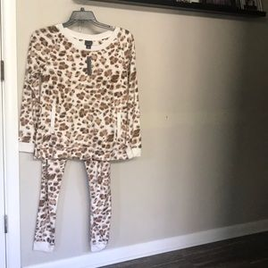 Covington mink sleep set. Medium NWT